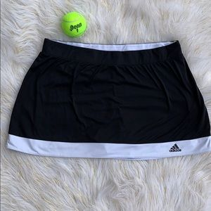 🎾ADIDAS Climalite Tennis skirt w/ built in shorts